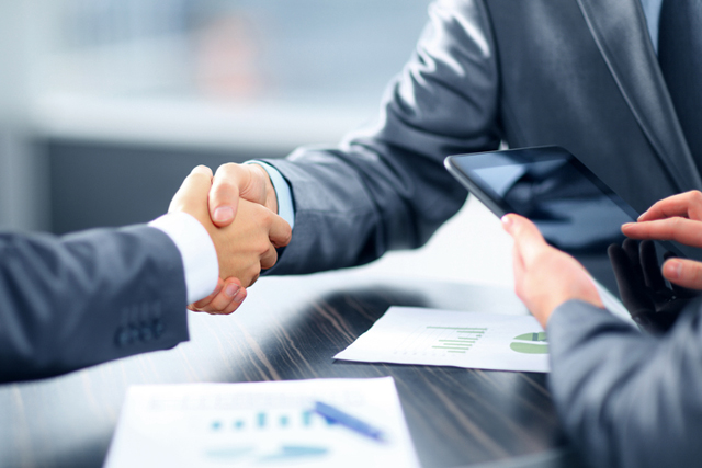 Handshake-business-deal-agreement-working-together-sales-rep-challenger-large